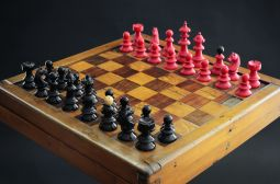 Red and Black - Chess Set